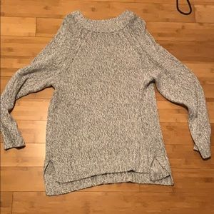 Aerie long sweater perfect for leggings.